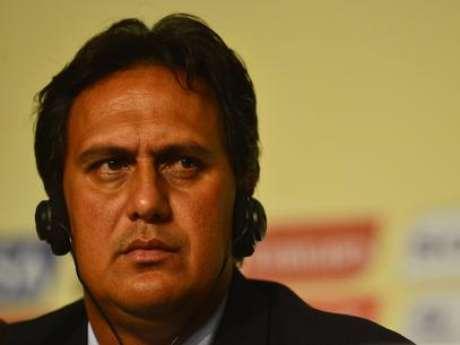 """Eddy Etaeta, DT de tahití, no dudo en hablar de """"paliza"""" tras el partido."""