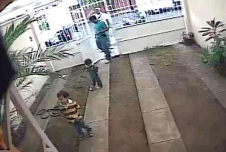 Los dos niños fueron entregados por marinos en la casa del candidato panista a regidor en Boca del Río.