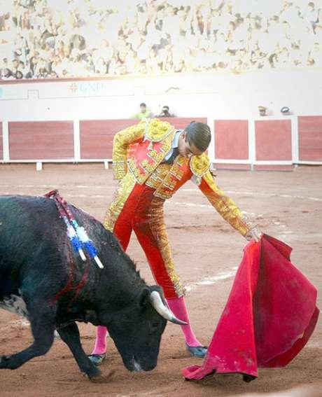 El novillero aguascalentense Ricardo Frausto encabeza el cartel que lidiara toros de Vallencinos.