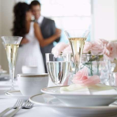 Focar nos preparativos que realmente são importantes para você pode ser o segredo de um casamento dos sonhos Foto: Getty Images