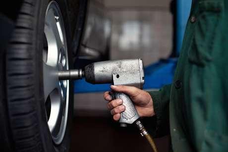 Entenda o significado das abreviações para executar a troca correta dos pneus