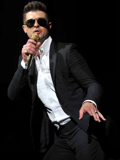 <p>Robin Thicke logró posicionar el sencillo que cantó en los premios MTV como la Mejor canción del verano para Billboard.</p>