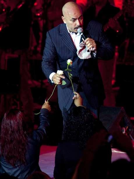 """<p><span style=""""color: rgb(51, 51, 51); font-family: arial; font-size: 13px; line-height: normal;"""">En Iturbide, Nuevo León, justo donde su hermana Jenni tuvo su último suspiro, Lupillo Rivera llevará una serenata a la cantante.</span></p>"""