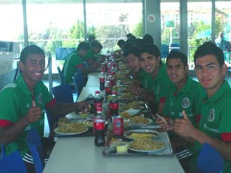 La selección mexicana Sub 17 ya está en Emiratos Árabes Unidos