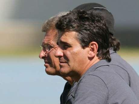 <p>Eduardo Hungaro foi auxiliar de Oswaldo de Oliveira no Botafogo</p>