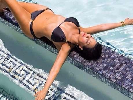 <p>Mamá de Kim Kardashian publica bikinazo a sus 58 años de edad. Kris Jenner presume sus curvas en una foto que compartió en Instagram acompañada del mensaje 'celebrando la vida'.</p><p></p>