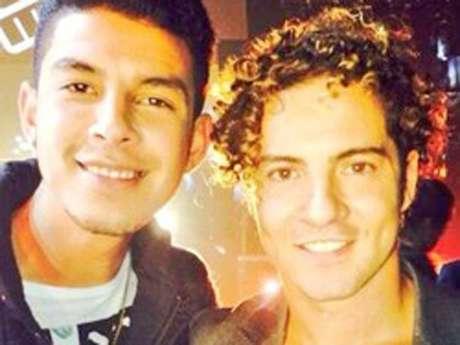 <p>Gibrán David Martiz Díazperteneció al equipo de Wisin y Yandel, aunque la foto que presentamos - tomada de su cuenta de Twitter - él chico posa junto a David Bisbal, quién también fue coach en esa edición del 2013.</p>