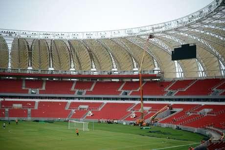 Dez mil colorados poderão matar a saudade do estádio Foto: Luiz Munhoz/Fato Press / Gazeta Press
