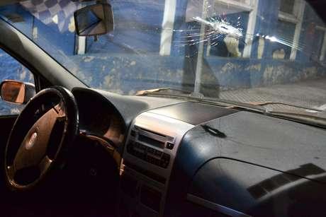 Dois suspeitos de participar de explosão de bancos na cidade de Itamonte (MG) foram presos após troca de tiros com a polícia na rodovia Presidente Dutra, em São Paulo Foto: Edu Silva / Futura Press