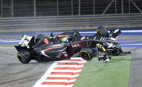 <p>El incidente ocurrió en la vuelta número 40 del Gran Premio de Bahréin.</p>