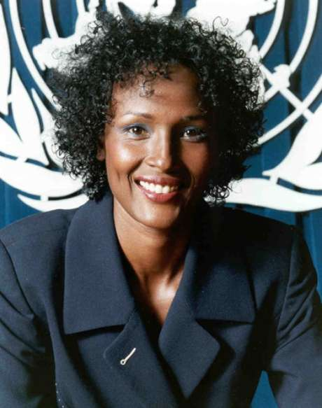 <p>Waris Dirie foi convidada a ser embaixadora especial da ONU contra a prática de mutilação de meninas</p>