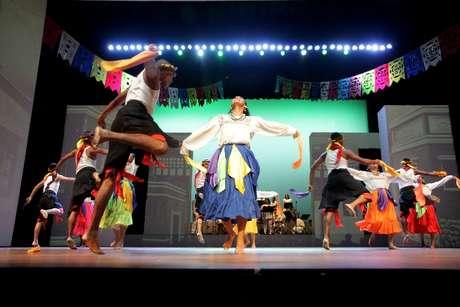 El baile es una de las principales manifestaciones del Folklore.