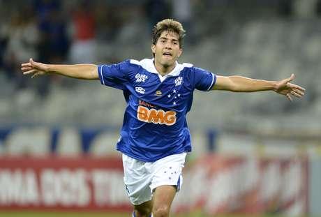 Volante assinará contrato com clube espanhol até 2020 Foto: Washington Alves / Vipcomm