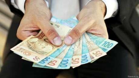 """<p>O famoso """"jeitinho brasileiro"""" tem como objetivo, muitas vezes, obter alguma vantagem financeira</p>"""