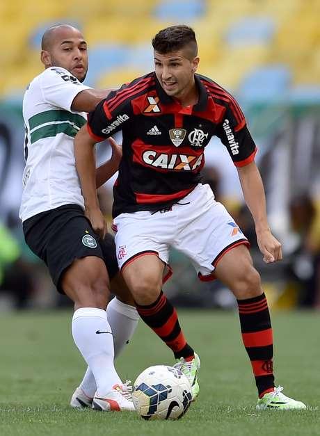 Sérgio Manoel em ação com a camisa do Coritiba Foto: Buda Mendes / Getty Images