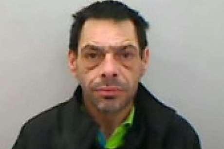 O homem foi condenado a 17 anos de prisão após abusar de duas mulheres Foto: The Mirror / Reprodução
