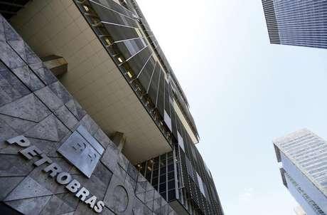 Fachada da sede da Petrobras no Rio de Janeiro Foto: Sergio Moraes / Reuters