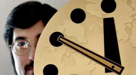 O Relógio do Juízo Final está a apenas três minutos da meia-noite catastrófica Foto: Twitter