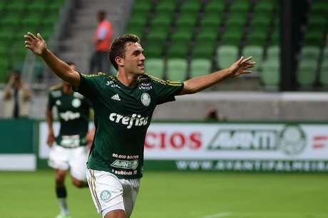 Allione foi o melhor em campo antes de Oswaldo mudar completamente o time Foto: Marcelo Ferrelli / Gazeta Press