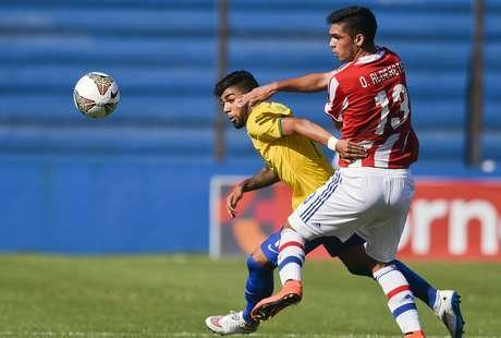 Jogo foi muito brigado no Uruguai Foto: Matilde Campodonico / AP