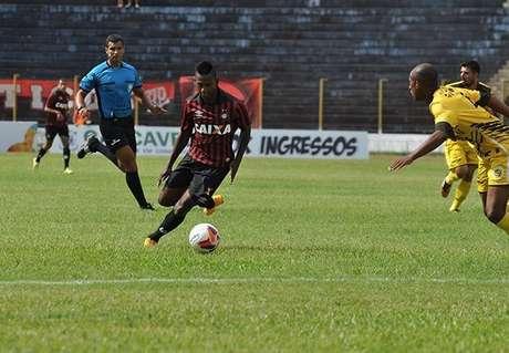 Time sub-20rubro-negro não saiu do zero fora de casa Foto: Atlético-PR / Divulgação