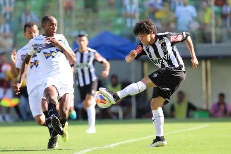 Luan jogou bem neste domingo e foi importante para a vitória do Atlético-MG Foto: Cristiane Mattos / Futura Press