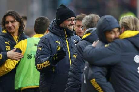 Borussia Dortmund vibra com vitória; luta contra a queda continua Foto: Arnd Wiegmann / Reuters