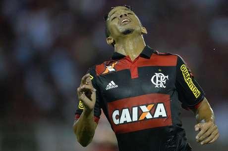 Nixon lamenta chance desperdiçada pelo Flamengo Foto: Pedro Martins / Agif / Gazeta Press