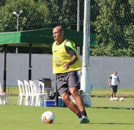 Wellington Paulista, 30 anos, não marca um gol desde maio de 2014 Foto: Coritiba / Divulgação