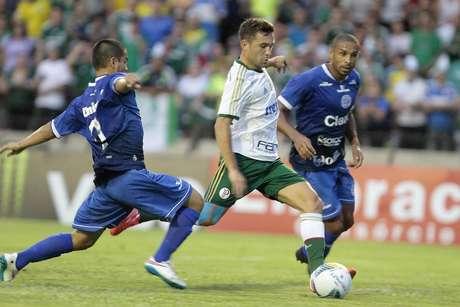 Allione quase marcou um belo gol no primeiro tempo Foto: Reginaldo Alves de Castro / Gazeta Press