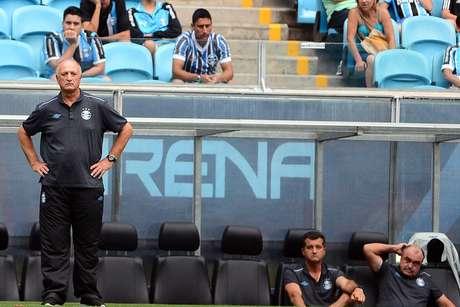 Felipão está com dificuldade para encontrar um caminho para o Grêmio Foto: Edu Andrade/ Fatopress / Gazeta Press