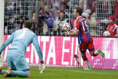 Götze fechou o marcador com um golaço Foto: Matthias Schrader / AP