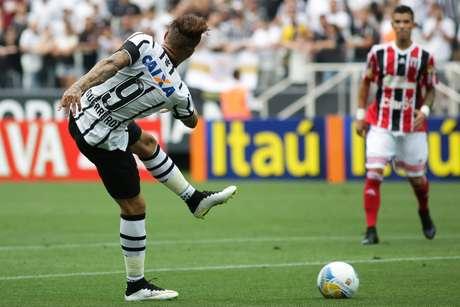 Corinthians perdeu muitas chances de gol Foto: Rodrigo Gazzanel / Futura Press