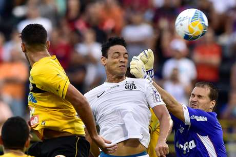 Ricardo Oliveira foi a referência do time santista no ABC Foto: Fernando Dantas / Gazeta Press