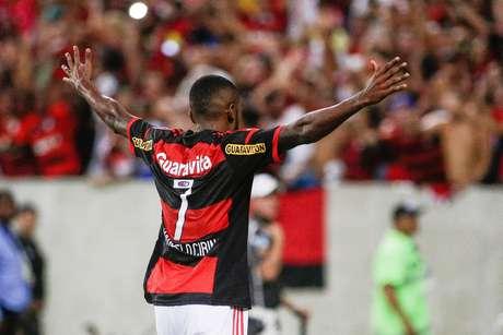 Marcelo Cirino foi o destaque da partida Foto: Rudy Trindade / FramePhoto