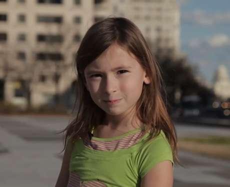 Empreendedora de 10 anos ensina a abrir negócio na infância