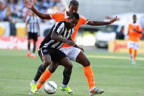 Atacante fez o gol da virada no Estádio Nilton Santos Foto: Luciano Belford / Agência Eleven/Gazeta Press