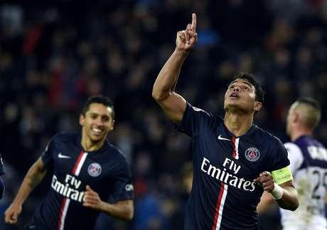 Thiago Silva fechou o placar para o Paris Saint-Germain neste sábado Foto: Franck Fife / AFP