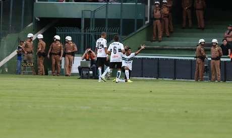 Rafhael Lucas marcou o quinto gol no Estadual Foto: Coritiba / Divulgação