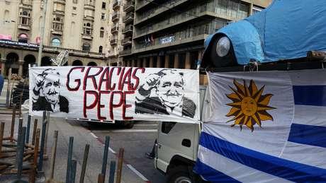 """Cerimônia contou comaplausos, gritos de """"obrigado, Pepe"""" ebandeiras alusivas ao seu partido político Foto: Wagner Machado / Terra"""
