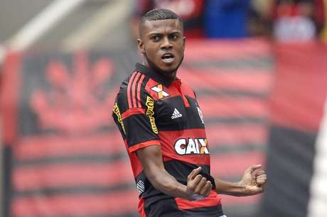 Marcelo Cirino anotou dois gols, acertou a trave, quase fez do meio campo... Foto: Alexandre Loureiro/Inovafoto / Gazeta Press