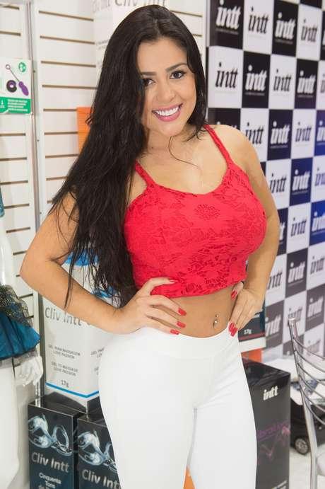 Rebeka Francys, a Miss Bumbum evangélica, marcou presença na 22ª edição da Erótika Fair, que aconteceu em São Paulo no último fim de semana, e contou alguns de seus prazeres sexuais ao Terra.