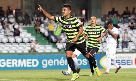Rafhael Lucas, com seis gols em sete jogos, é o artilheiro do Coritiba na temporada Foto: Coritiba / Divulgação