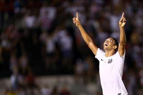 Ricardo Oliveira marcou duas vezes neste domingo Foto: Thiago Calil / Photopress / Gazeta Press