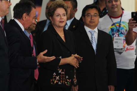 Na sequência, Dilma Rousseff seguiu para a abertura da solenidade da feira em outro pavilhão do Anhembi Foto: Janaína Garcia / Terra