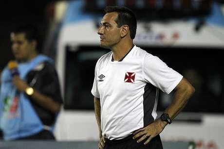 Doriva observa dificuldades do Vasco no jogo Foto: Marcelo Sadio/Vasco / Divulgação