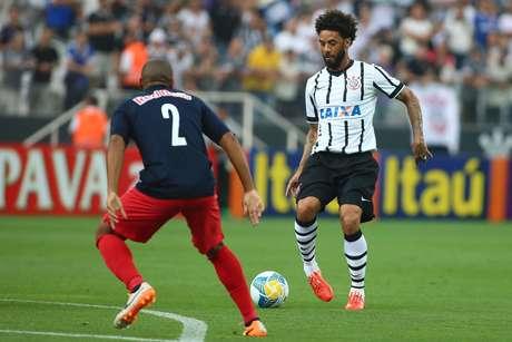 Cristian entrou como titular no meio-campo do Corinthians Foto: Marcos Bezerra / Futura Press