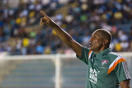 Cristóvão Borges melhorou o time após o intervalo, mas não foi suficiente Foto: Rui Porto Filho / Agif
