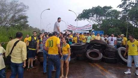 Em Pimenta Bueno, a BR-364 ficou bloqueada Foto: Denis Faria / Especial para Terra