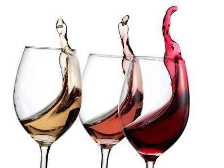 O vinho branco é mais ácido e tem um maior impacto sobre o esmalte dos dentes